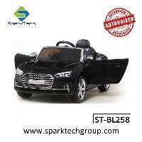 Passeio popular em carro de brinquedo Licenciado Audi S5 passeio em carros para crianças com controle remoto (ST-BL258)